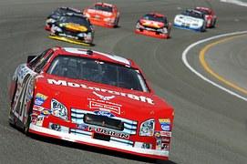 auto-racing-583517__180